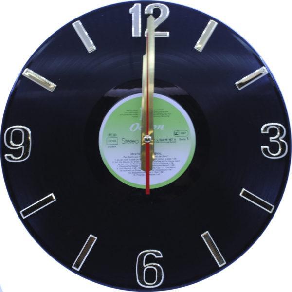 Часы на виниле с золотистым механизмом, салатовый пятак
