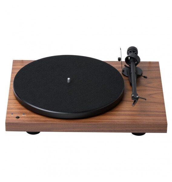 Виниловый проигрыватель Pro-Ject Debut Recordmaster OM5e Walnut