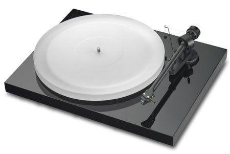 Виниловый проигрыватель Pro-Ject Debut Carbon Recordmaster Hires 2M-Red Piano